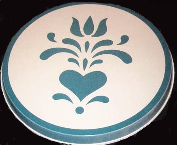 `Blue Hearts on White Round  Metal Burner Covers