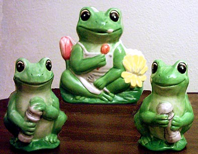 A Frog Napkin Holder, Salt and Pepper